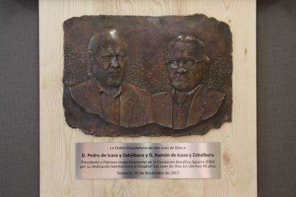 Placa de homenaje a Pedro y Ramón de Icaza