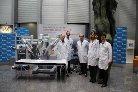a Vinci en IMQ Zorrotzaurre - doctores Gaspar Ibarluzea, Nicolás Guerra, Ander Astobieta, Juana Amadoz y Ricardo Fernández