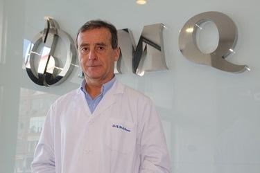Dr Enrique Castellanos, cirujano cardiovascular de la Clínica IMQ Zorrotzaurre --