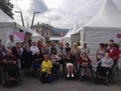 Día Mundial del Alzheimer. Residentes de las residencias Kirikiño y Barri Barri