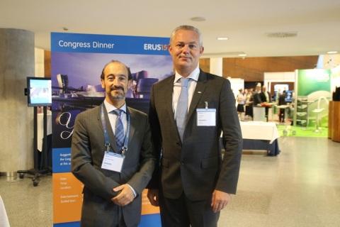 Los doctores José Gregorio Pereira, presidente de ERUS 2015, y el belga Alex Motrie, presidente de la Sección de Urología Robótica de la Asociación Europea de Urología