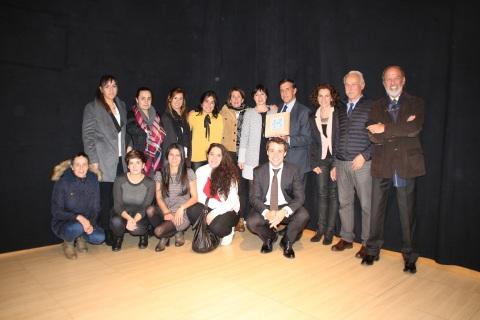 Miembros de la residencia Calabria, de Igurco y de IMQ, ganadores del premio Hemendik Saria Kostaldea