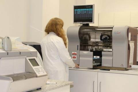 En el laboratorio también se pueden solicitar pruebas o estudios de carácter genético