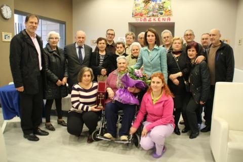Secundina-centenaria-Igurco