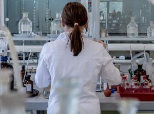 laboratorio-ciencia-mujer-liderazgo